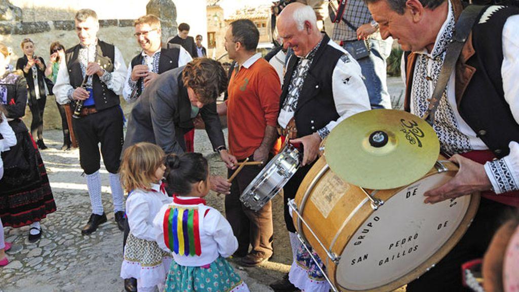 Los niños disfrutaron con la música folklórica