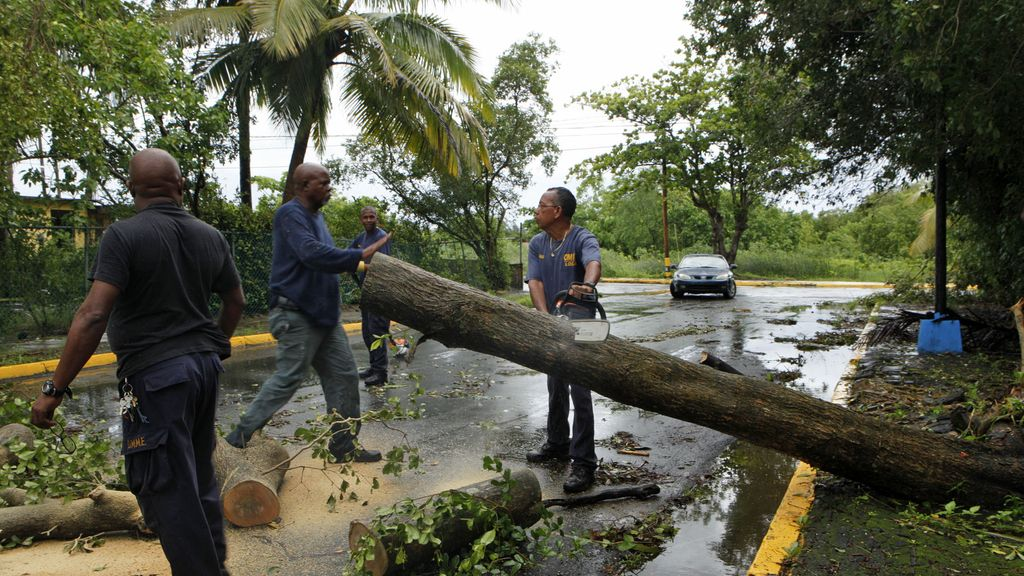 Irene, a su paso por Puerto Rico FOTO: REUTERS