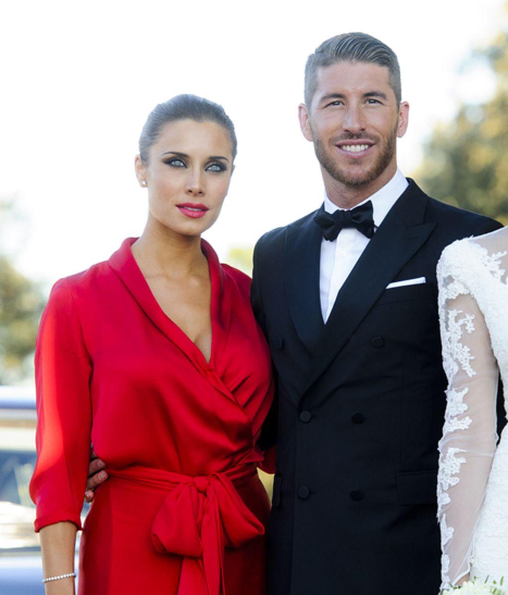 Pilar Rubio, espectacular de rojo, junto a Sergio Ramos