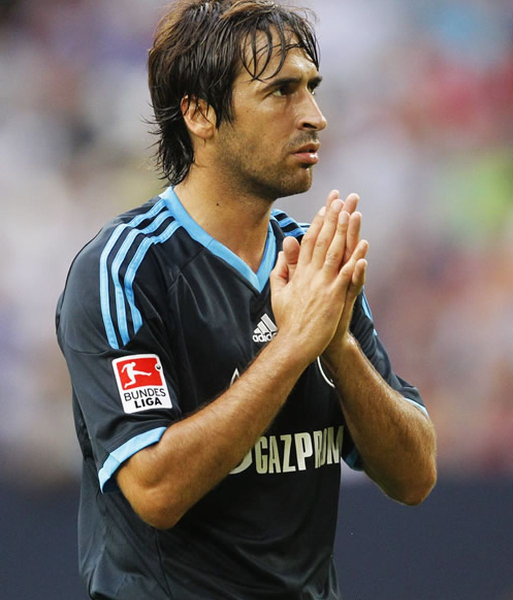 Raúl se podría enfrentar al Madrid en Champions