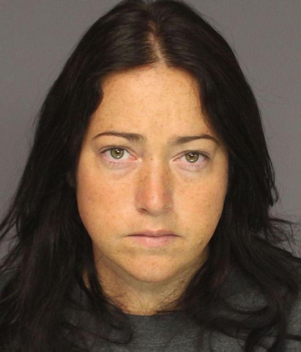 Detenida por mantener relaciones sexuales con seis alumnos en Nueva Jersey