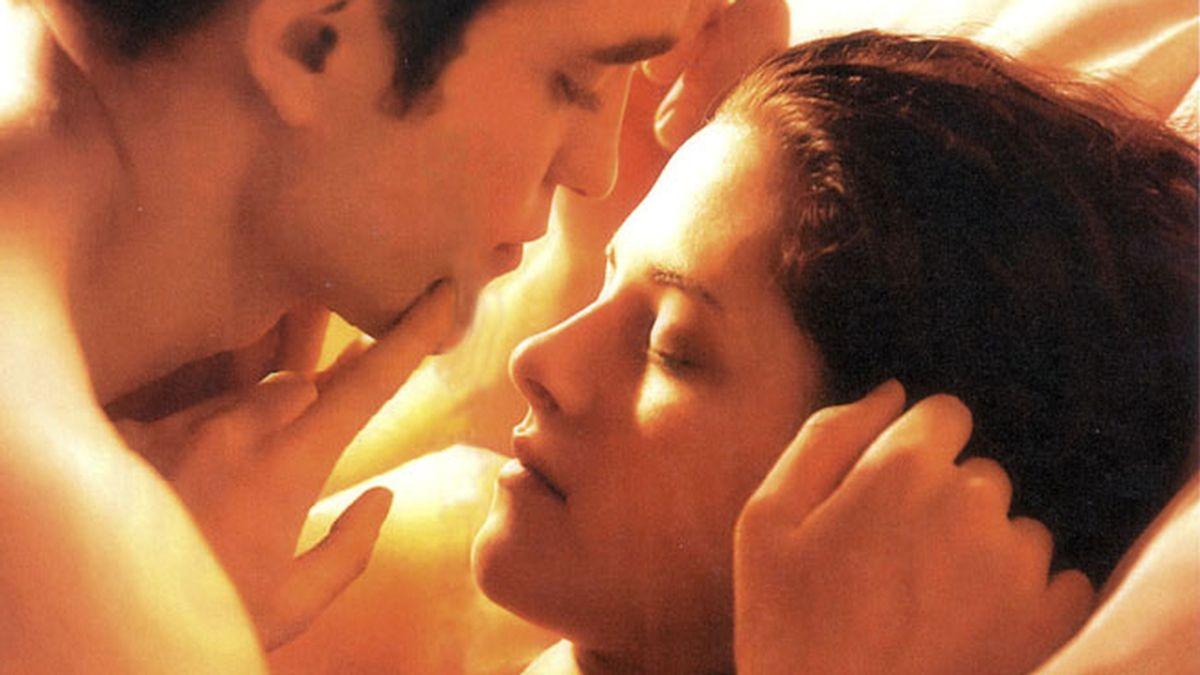 Robert Pattinson y Kristen Stewart en 'Amanecer'