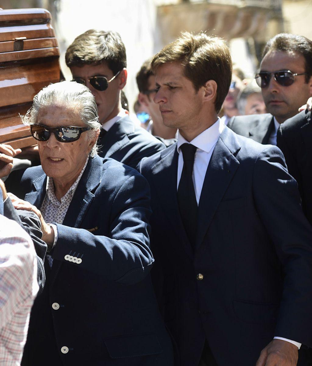 Enrique Ponce, Jaime Ostos y el Juli, en el funeral de Víctor Barrio