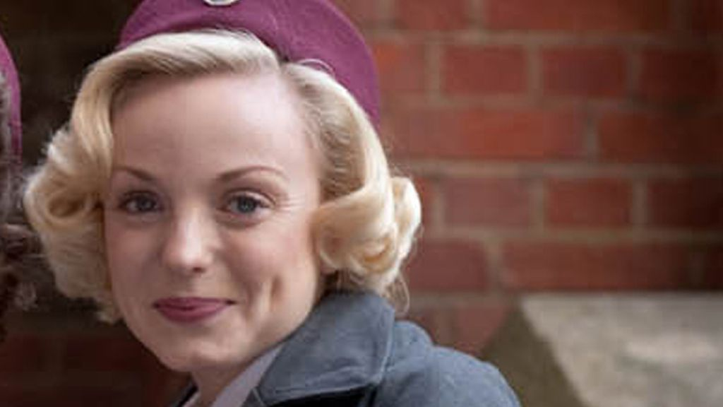 Trixie Franklin (interpretada por Helen George)