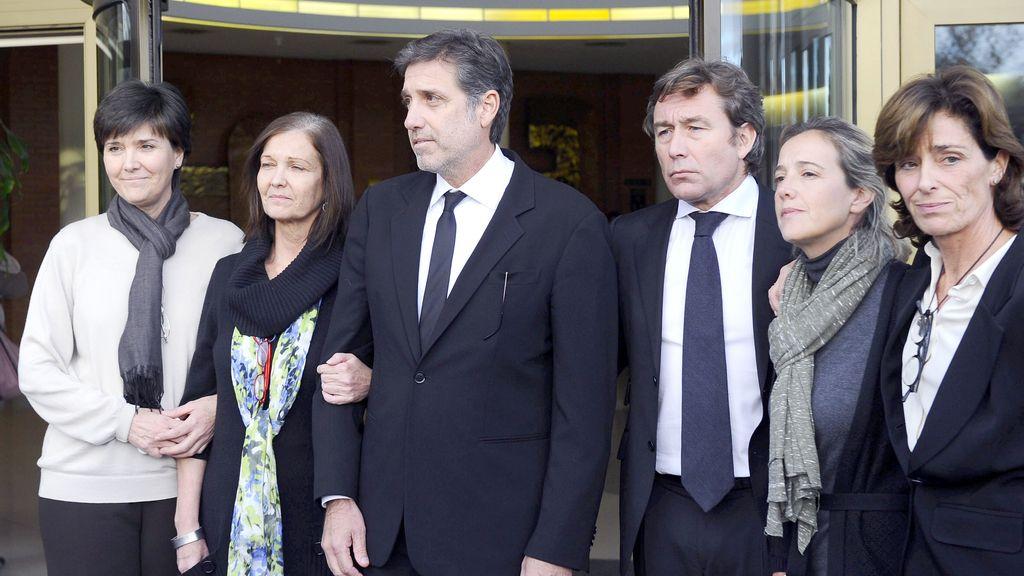 La familia de 'Miliki' le despide en el Tanatorio de la Paz