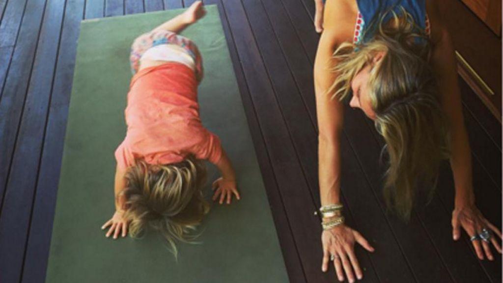 Elsa Pataky, monitora de yoga para tus hijos
