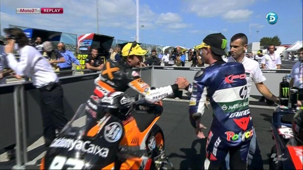 Paces al final de la carrera de Moto2: Márquez y Pol se dan la mano