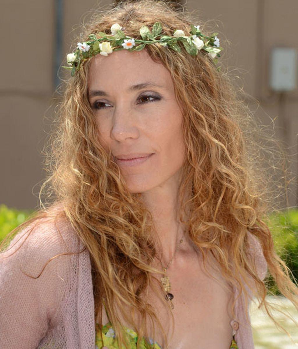 Blanca llevó una corona de flores a juego con su vestido