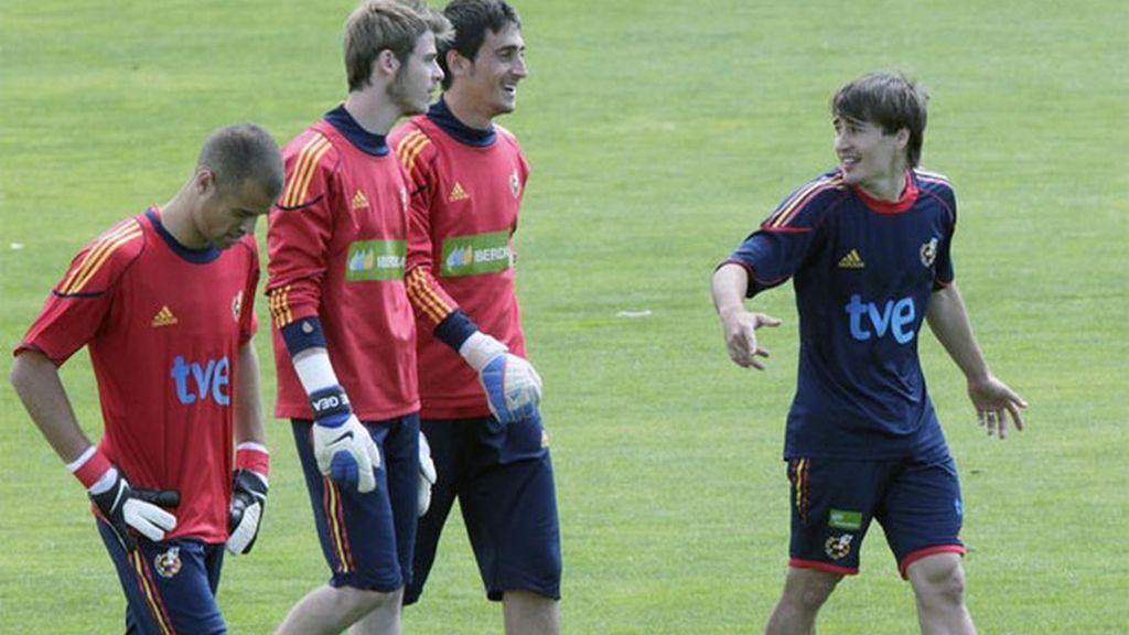Los jugadores de la sub 21 durante un entrenamiento. Foto: EFE