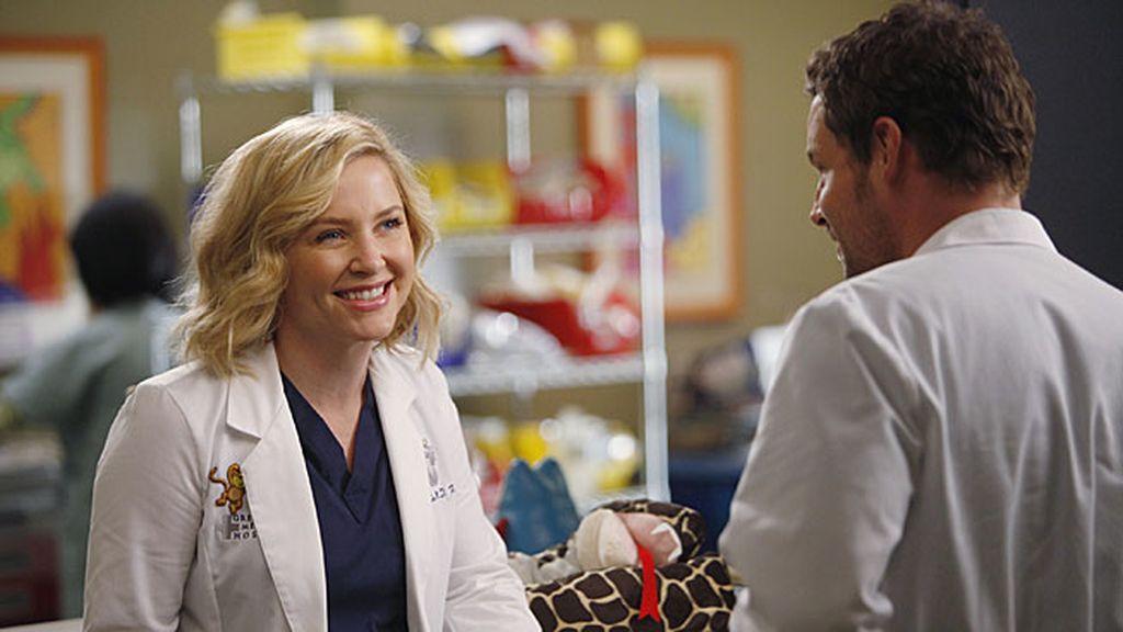 Arizona está confundida y pide consejo a su compañero Alex