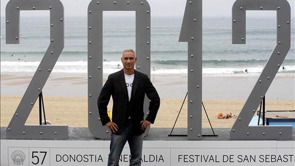 """El realizador alemán Roland Emmerich posa para a prensa en el Festival de Cine de San Sebastián, donde ha presentado su película """"2012"""". EFE/Rchivo"""