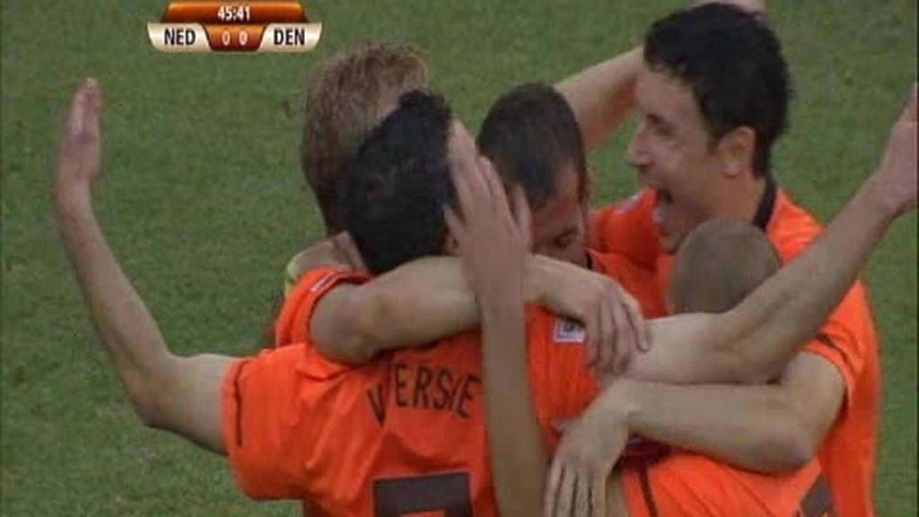 Grupo E: Holanda 2 - 0 Dinamarca