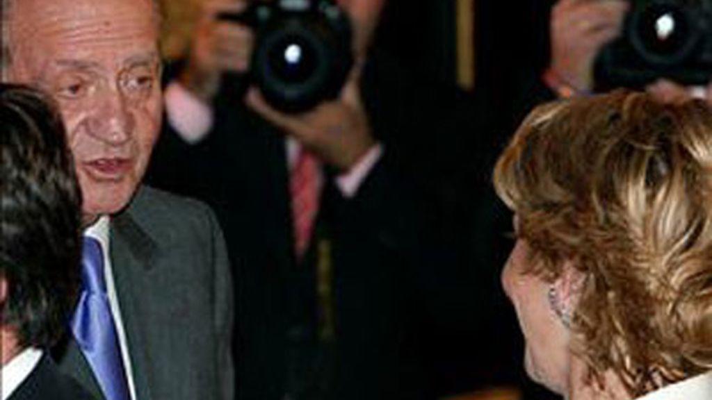 Tensa conversación entre Esperanza Aguirre y el Rey