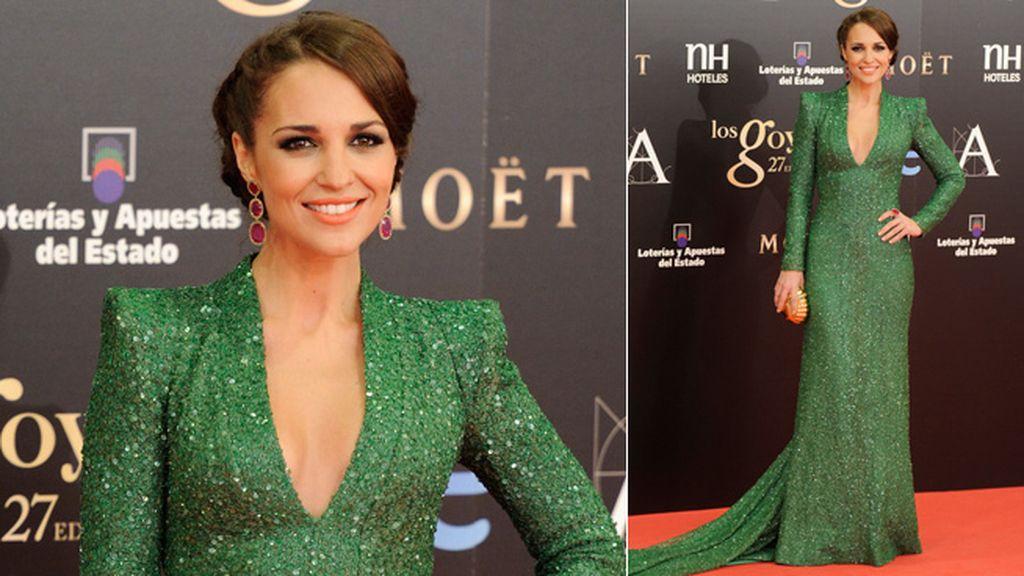 Paula Echevarría, de verde y turquesa, eligió un escote en uve