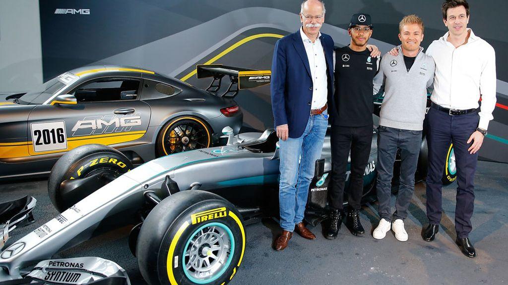 Mercedes comienza la temporada con la presentación de su equipo de Fórmula 1 (11/03/2016)