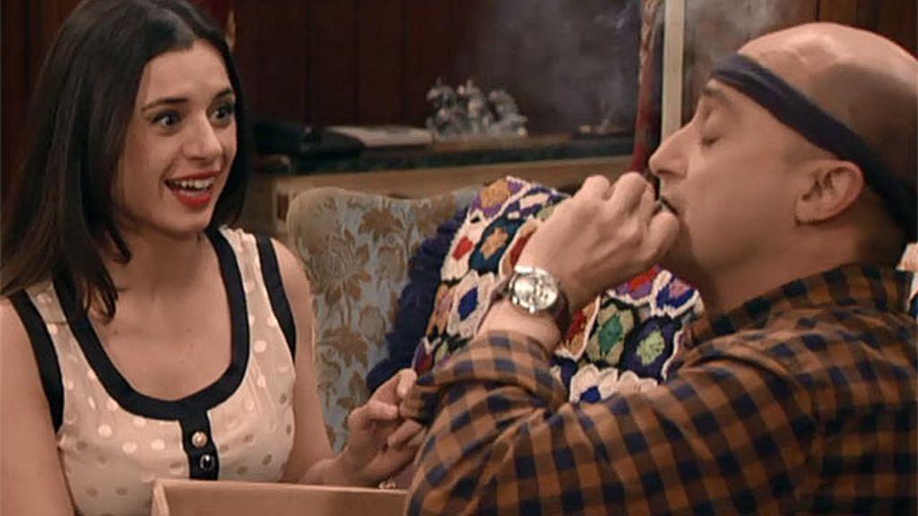 Chema y Soraya se fuman un porrito a medias
