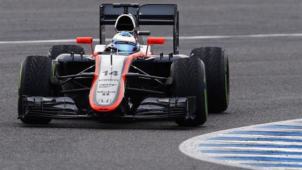 Alonso rueda 32 vueltas antes de que una avería acabe con su jornada en Jerez