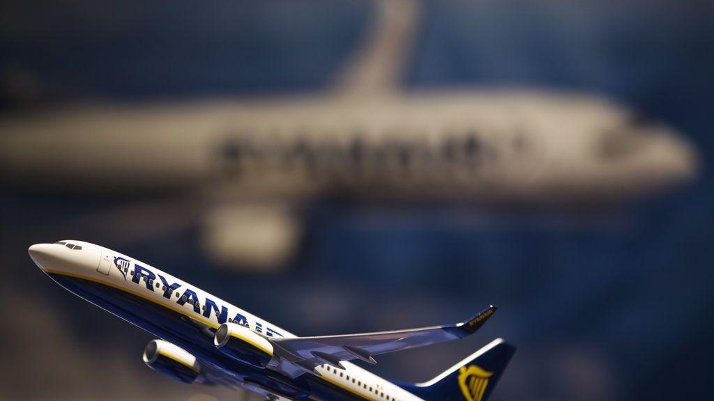 Ryanair detecta un fallo en el sistema de aire acondicionado del avión que aterrizó de urgencia en Sevilla