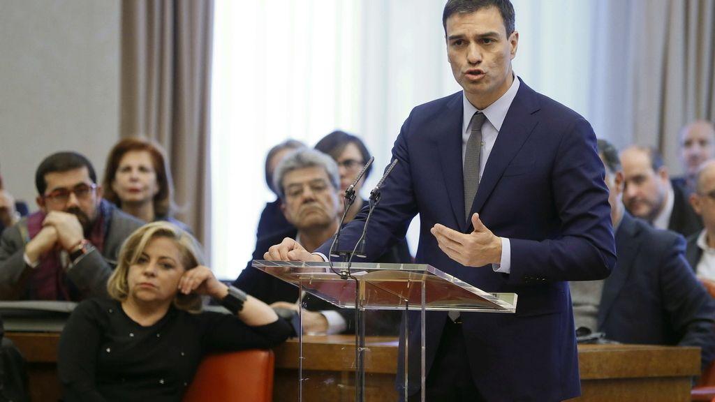 Pedro Sánchez llama a combatir el discurso del miedo del PP y el de la 'casta' de Podemos
