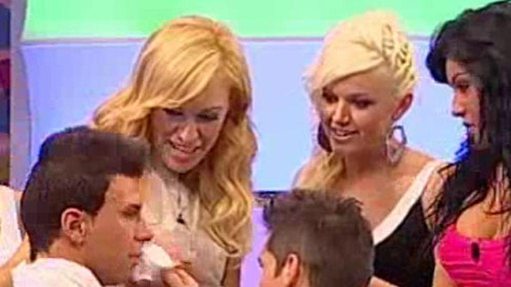 Dani rompe a llorar tras el rechazo de Verónica