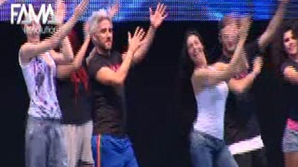 Ensayos de la flashmob para Kylie en Plaza de España