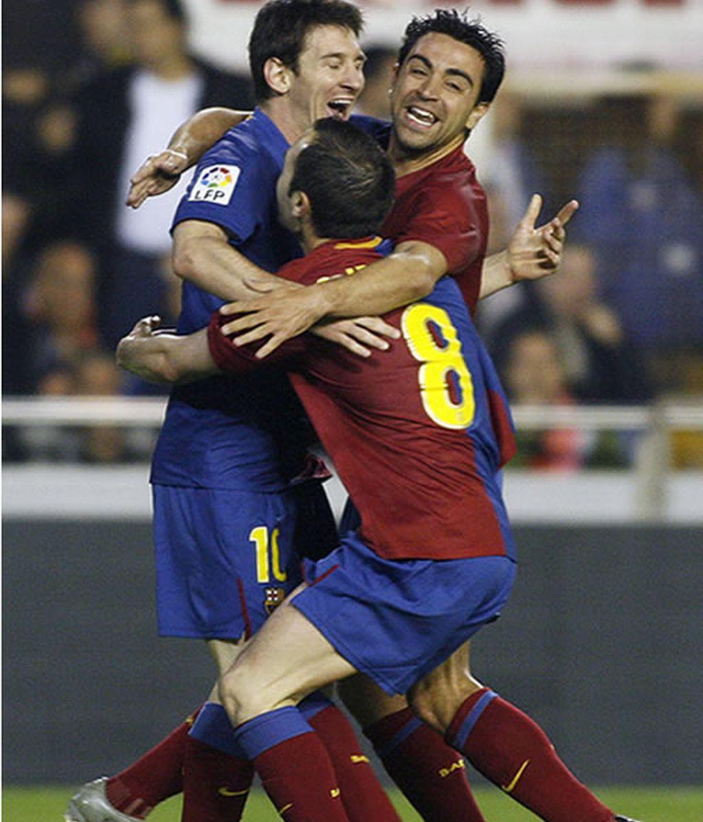Xavi, Iniesta y Messi, los merecidos candidatos al balón de oro