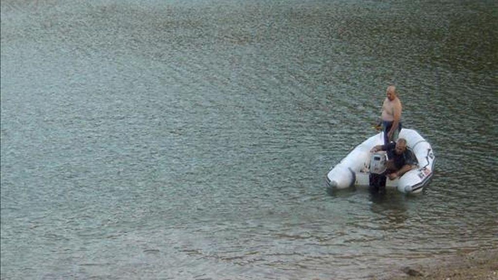 Un matrimonio de 50 y 51 años y su hija de 20 han fallecido ahogados en el pantano de Santolea, paraje ubicado en el término municipal de Castellote (Teruel), donde se encontraban bañándose. EFE/Archivo