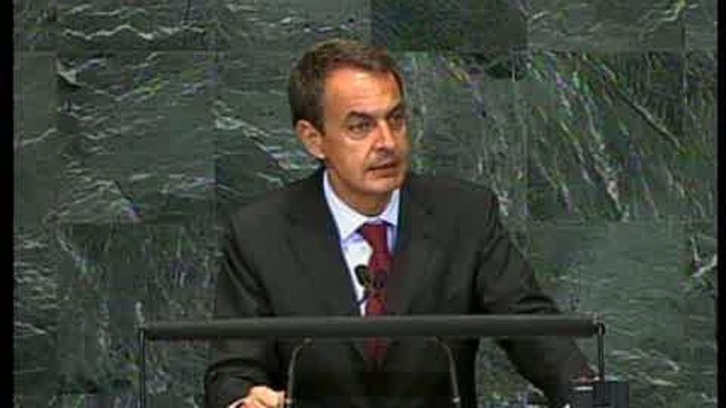 Zapatero pide una tasa a las transacciones internacionales