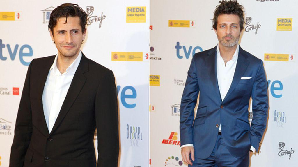 Juan Diego Botto y Sergio Olmedo posaron de forma muy seductora en el photocall