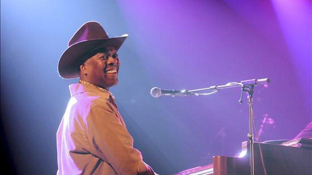 """El veterano Booker T., componente del Salón de la Fama del Rock and Roll, uno de los que formara parte de la mítica compañía discográfica Stax Records y autor de himnos de la música negra como """"Green Onions"""" ofreció en el festival mod Purple Weekend su único concierto en España. EFE"""