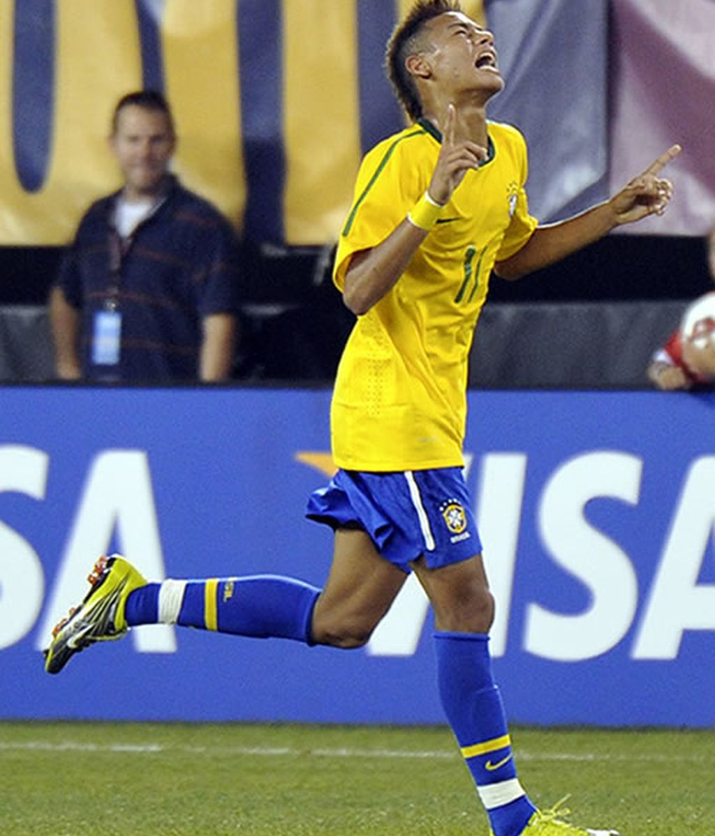 Neymar, atado, y Ganso, muy cerca