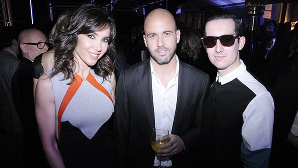Junto a Paloma Lago y Daniel López. Mi camisa es de Modas Cabezón.