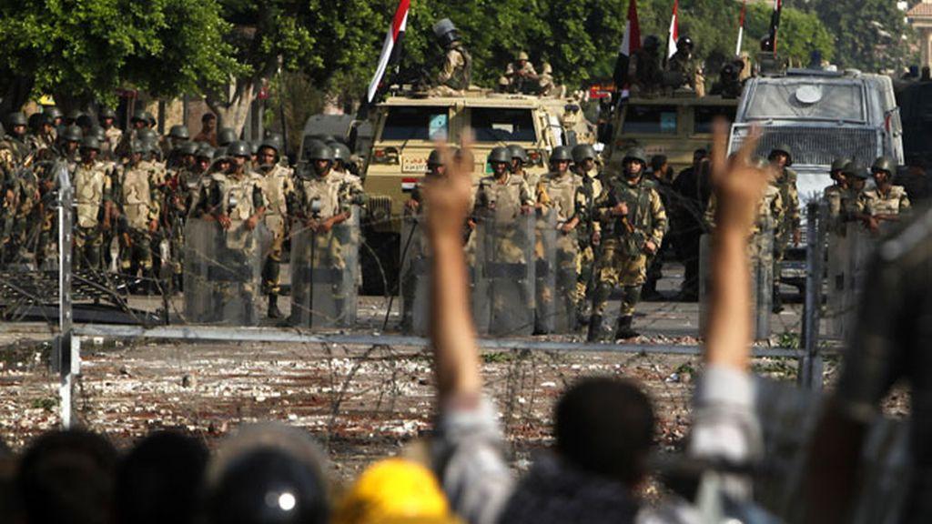 Crece la tensión entre los Hermanos musulmanes y el Ejército en El Cairo