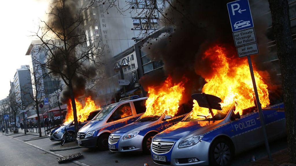Protesta anticapitalista en la sede del BCE