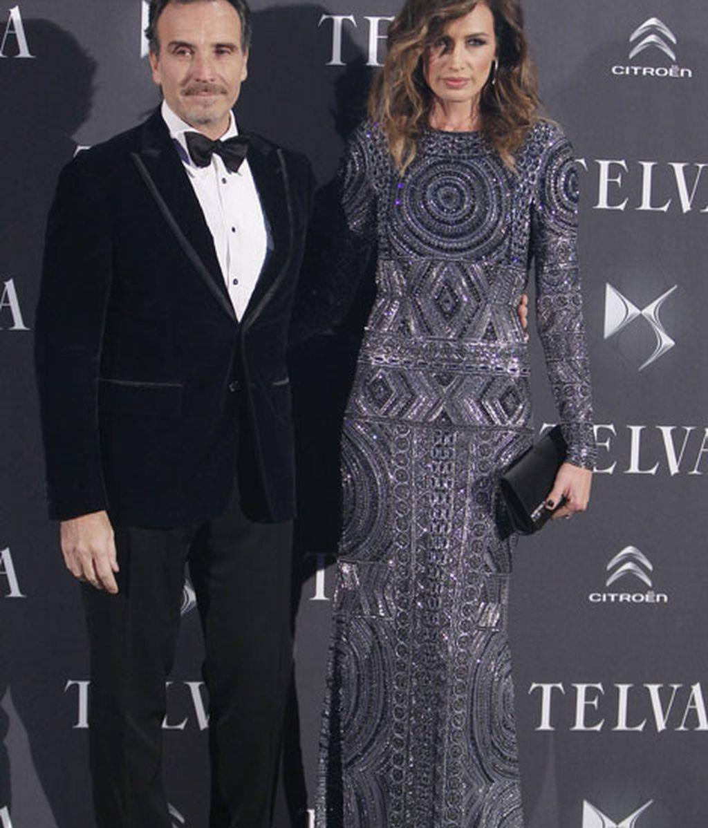 Nieves Álvarez, de Pucci, junto a su marido, Marco Severini