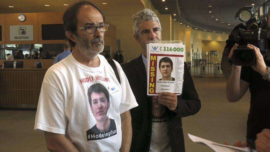 Los padres de Hodei se reúnen en Bruselas con la comisaria de interior