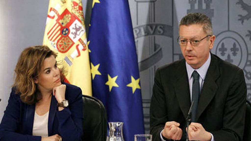 Alberto Ruiz-Gallardón y Soraya Saénz de Santamaría