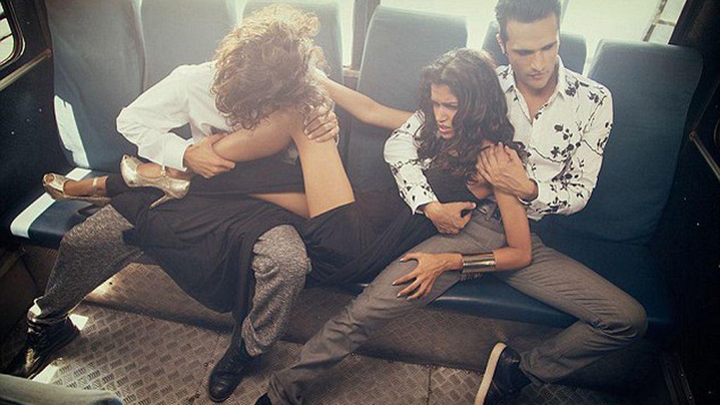 Indignación en la India por una publicidad en la que aparece una mujer siendo violada por dos hombres en un autobús