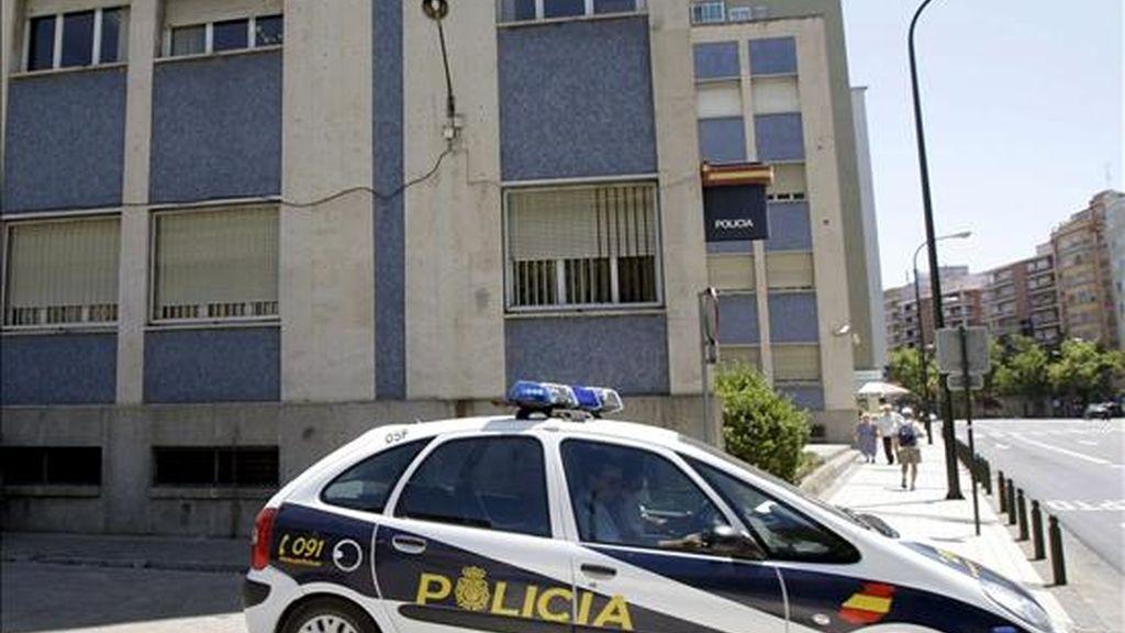 """Agentes de la Policía Nacional han detenido en Valladolid al llamado """"violador de la capucha"""" como presunto autor de nueve agresiones sexuales. Video: ATLAS."""