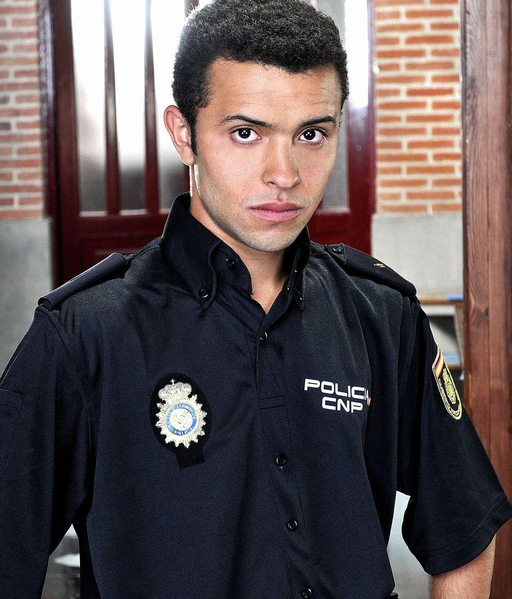 Hakim (Ayoub El Hilali), el policía musulmán