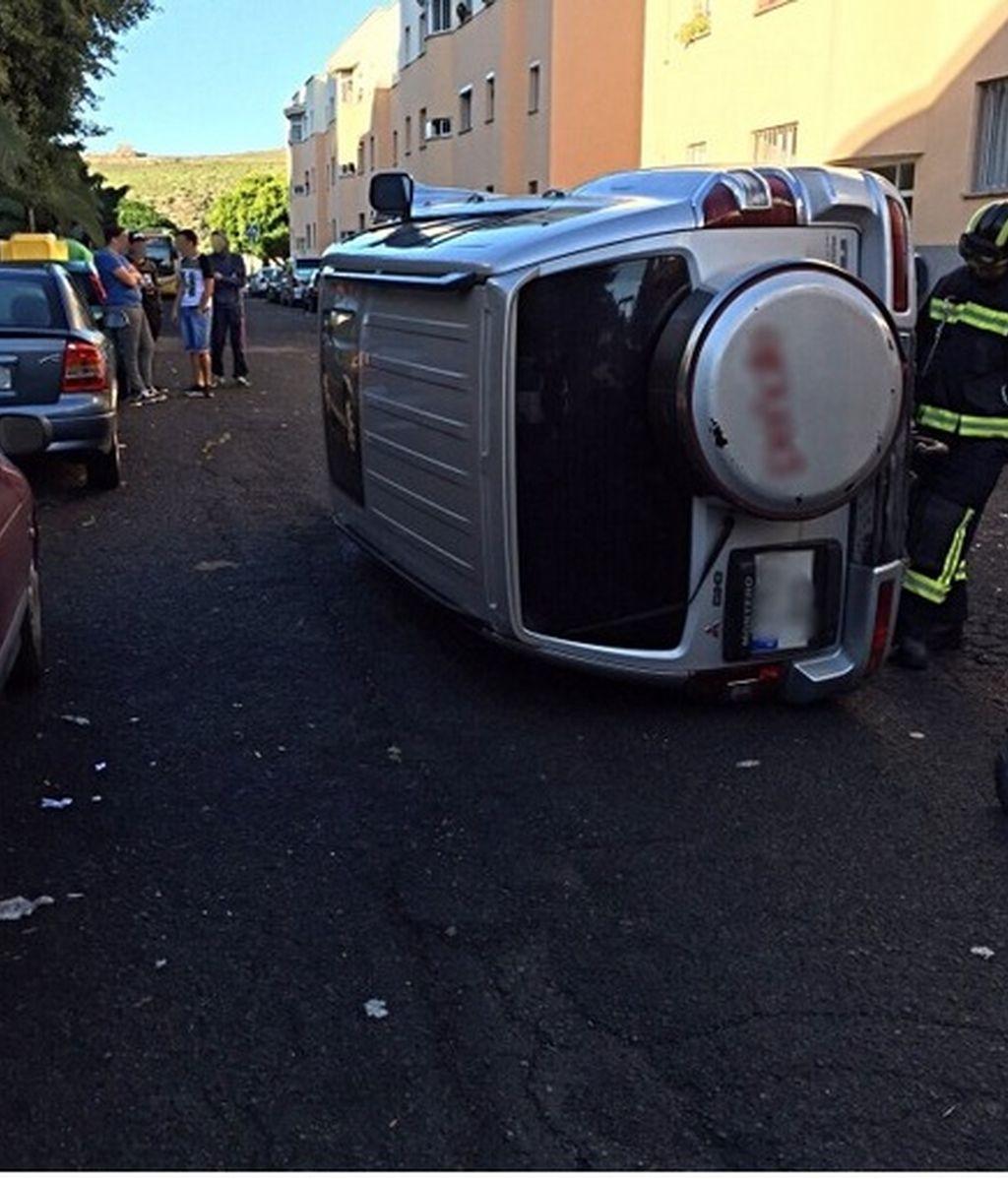 Detenido por volcar el vehículo de su pareja tras agredirla y darse a la fuga en Gran Canaria