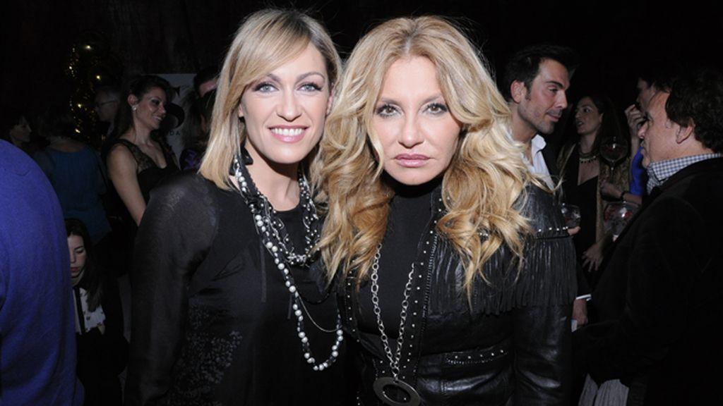 Las presentadoras Luján Argüelles y Cristina Tárrega