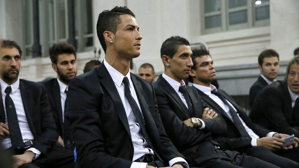Cristiano Ronaldo y el resto de sus compañeros, en el Ayuntamiento de la capital