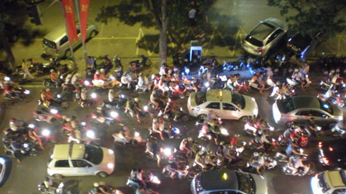 Circular por las calles de Hanói se convierte en toda una aventura. Foto: RSO.