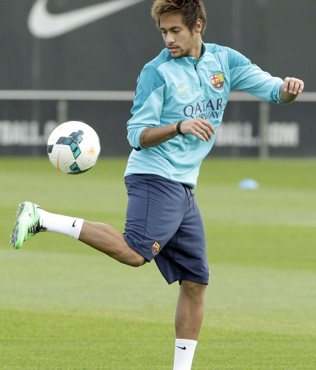 Neymar vuelve a los entrenamientos