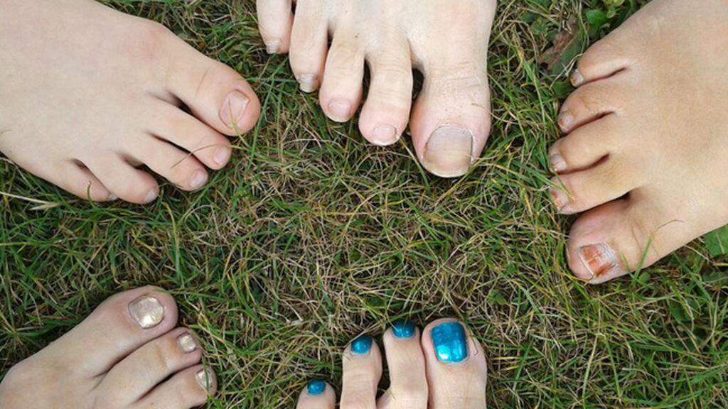 Nueva moda de los 'footselfie' para concienciar de aquellos que no pueden tener zapatos