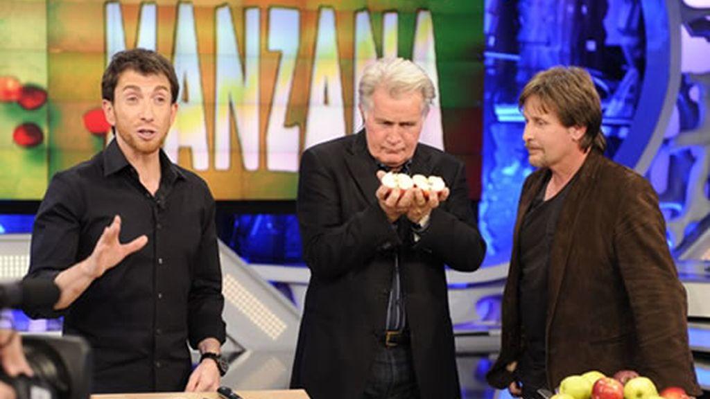 Martin Sheen es casi tan bueno cortando fruta como lo es como actor