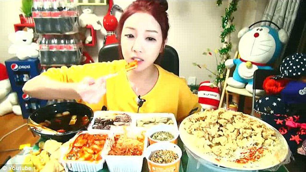 voyeurismo gastronómico, coreana, come online