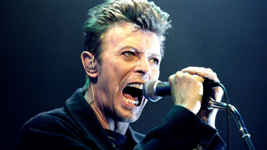 Muere David Bowie (11 de enero)