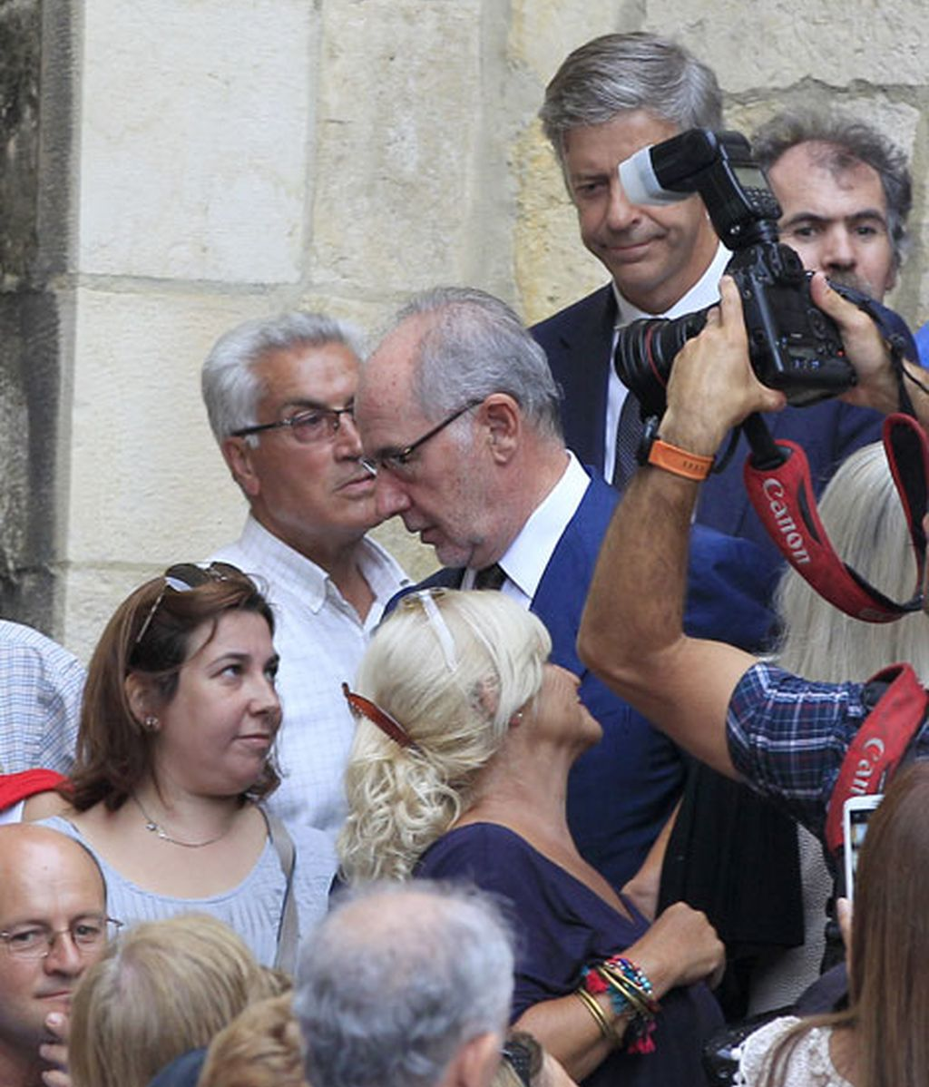 Rodrigo Rato fue uno de los políticos que asistió al funeral